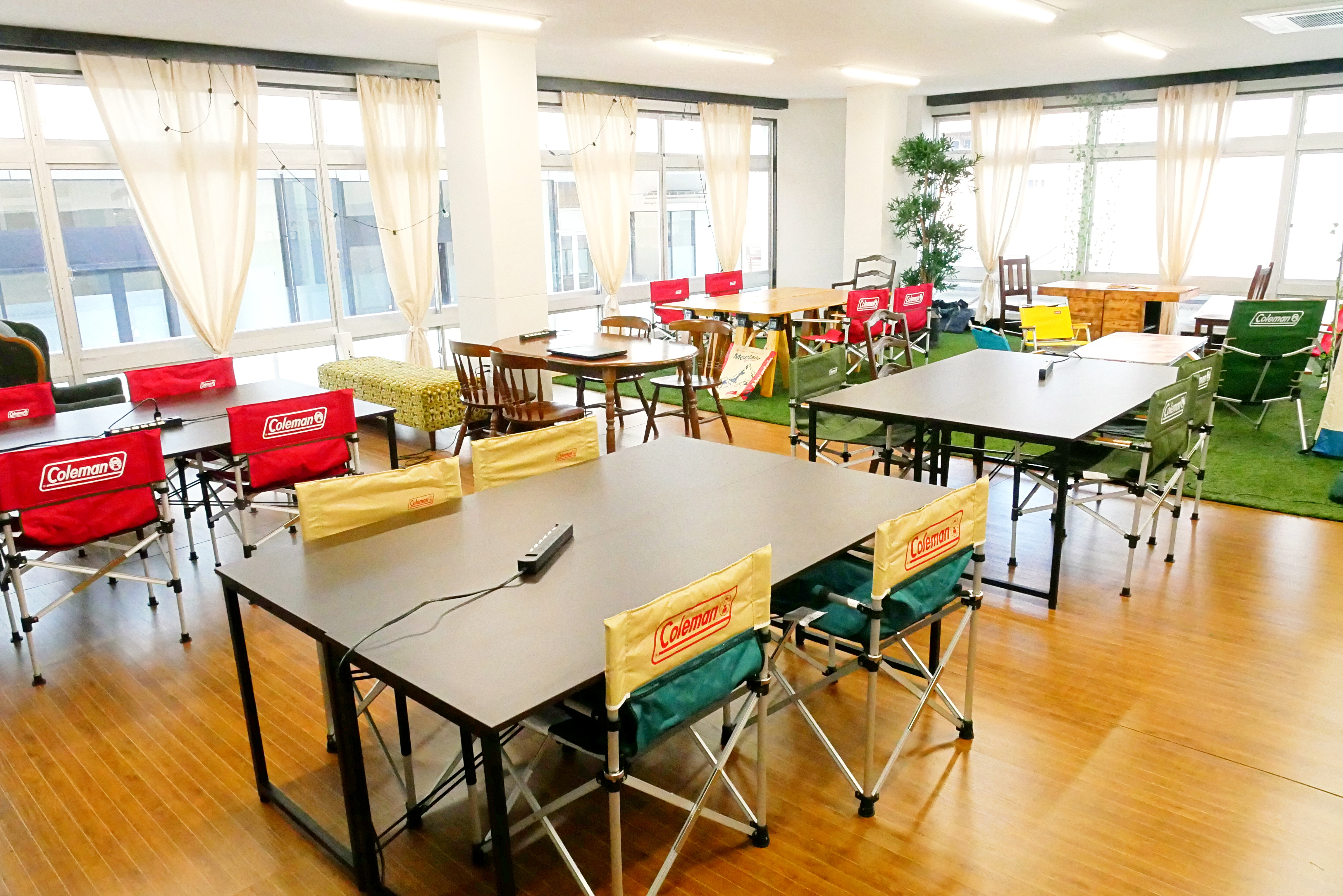 岐阜駅徒歩2分の24時間コワーキングスペース&シェアオフィス Tanojob BASE(たのジョブベース)