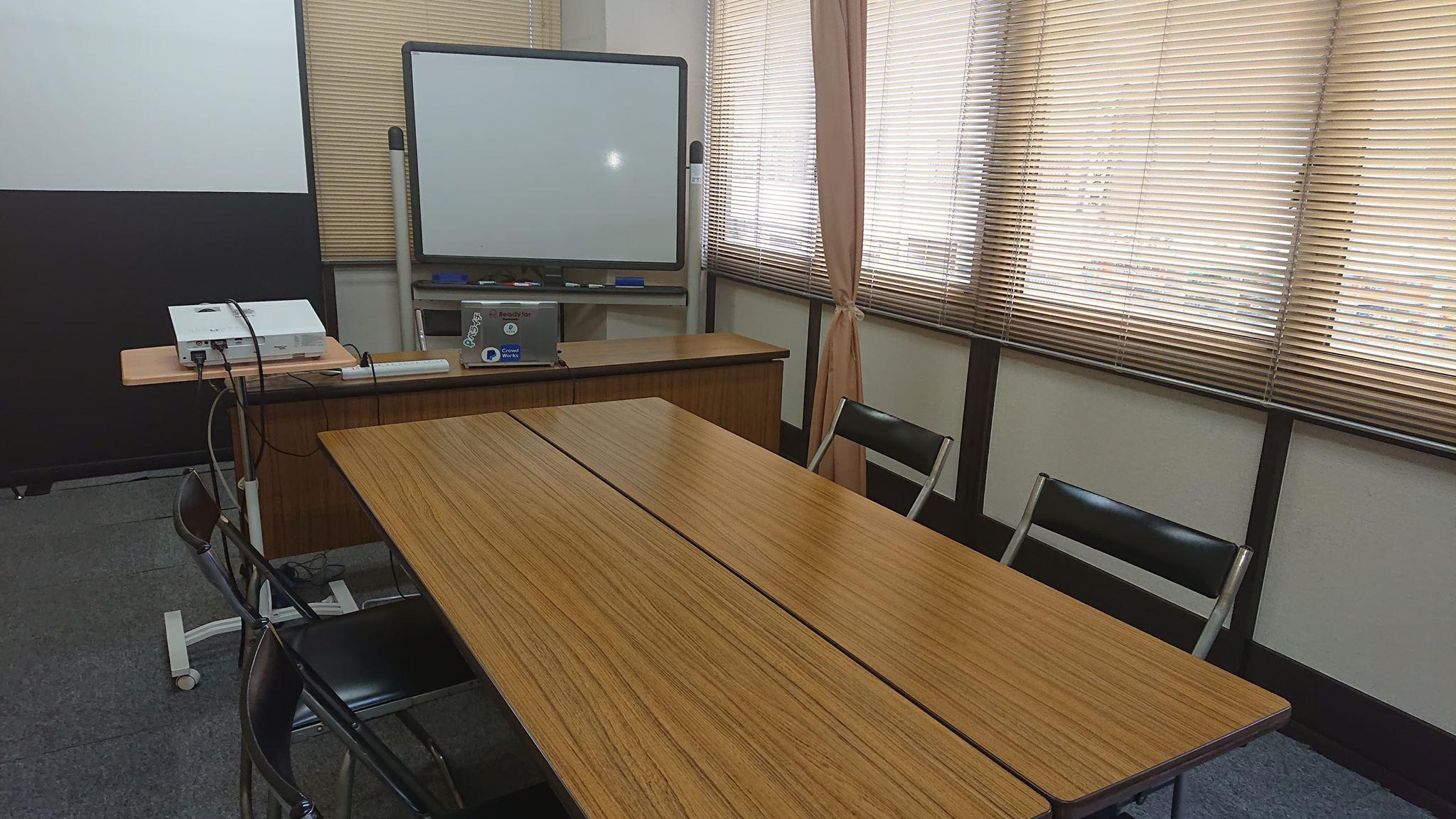 貸し会場・リモートワーク席・自習室 リヴィング・ラボとくしま